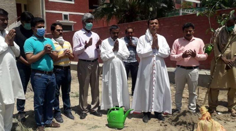"Catholic Bishops mark ""Laudato Si"" week with tree plantation across Pakistan"